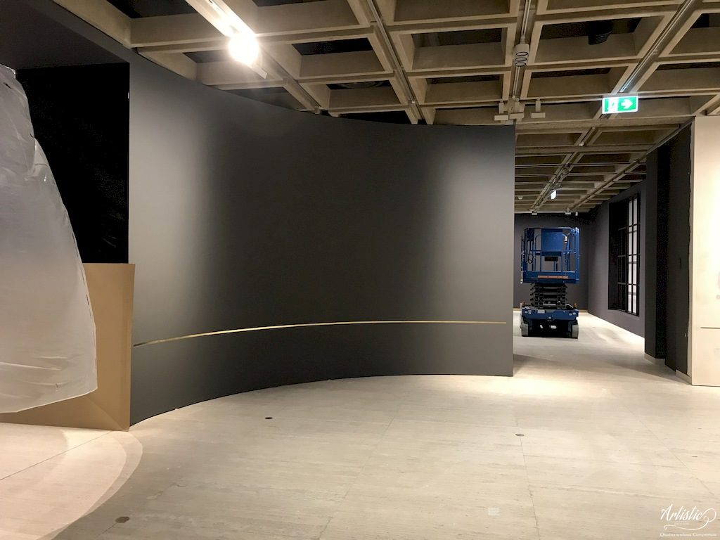Art Gallery installation painting